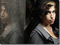 winehouse thumb Microsoft apologises for Winehouse tweet