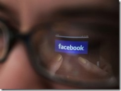 Facebook 3 thumb Facebook feeds chatter to news outlets